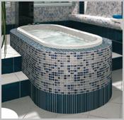 mit geschlitzten platten gerundete badewannenverkleidungen. Black Bedroom Furniture Sets. Home Design Ideas